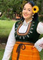 Тъмно зеленото е цветът на автентичните носии от Пазарджишкия регион