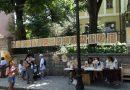 Царевичните кукли от Куртово Конаре впечатляват туристите в Стария Пловдив