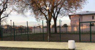 Площадките за кучета в реновираните паркове – почистени и подобрени